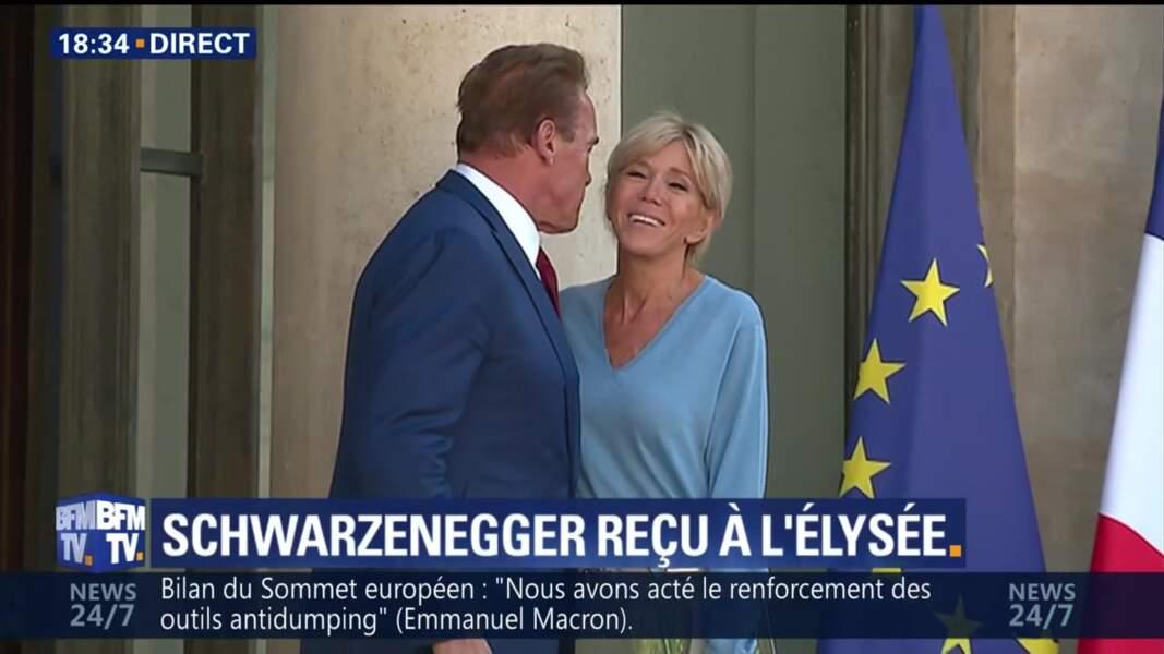 Brigitte Macron et Arnold Schwarzenegger à l'Elysée : une bise qui n'échappe pas aux médias