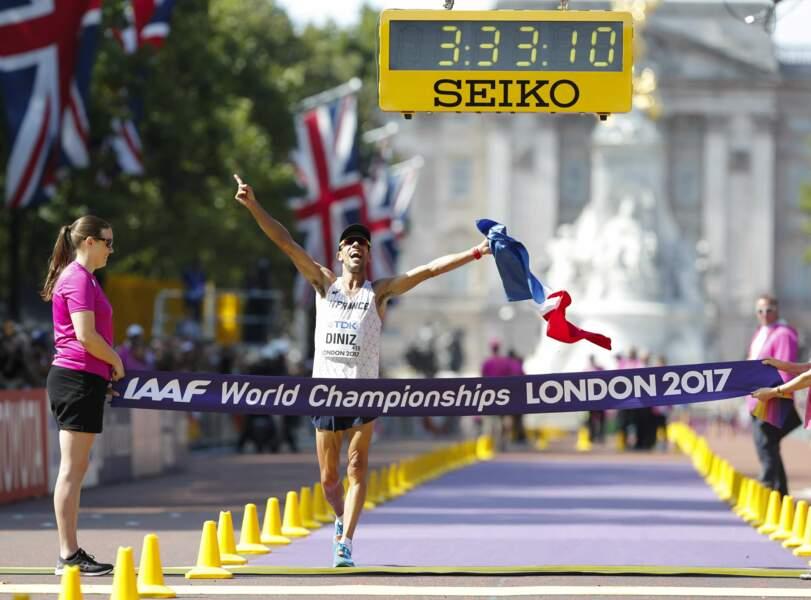 Yohann Diniz détient le record du monde du 50 km marche avec le temps de 3 h 32 min 33 s
