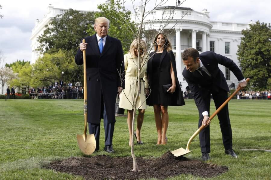 Emmanuel et Brigitte Macron ont visité la Maison Blanche.