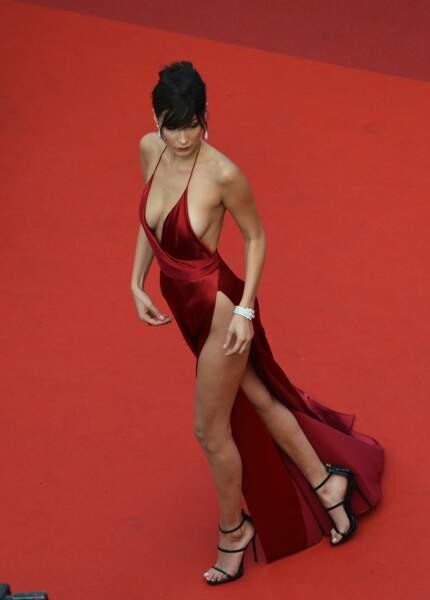 Bella Hadid a hypnotisé les photographes