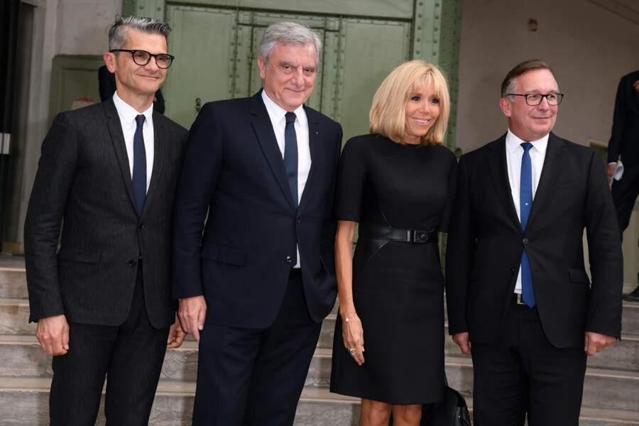 Brigitte Macron avec Bruno Pavlovsky (boss de Chanel) pour l'hommage à Karl Lagerfeld, à Paris, le 20 juin 2019.
