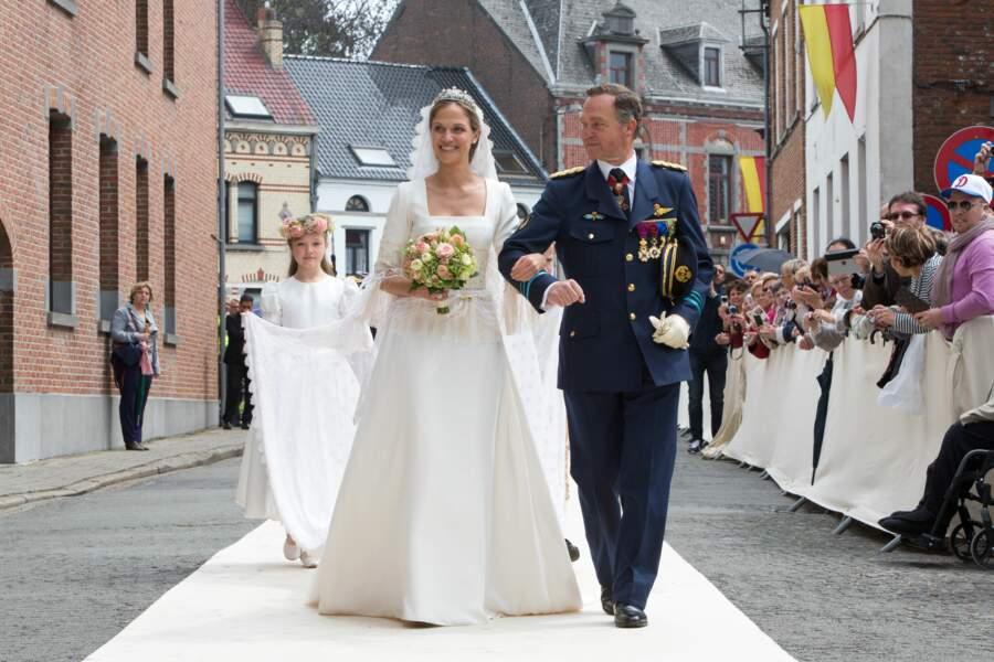 La princesse Alix de Ligne et son père lors de son mariage avec Guillaume de Dampierre à Beloeil le 18 juin 2016