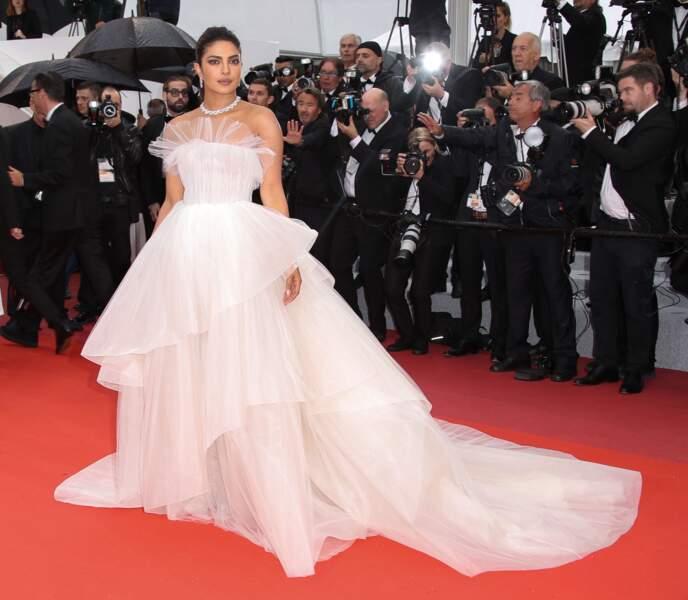 Priyanka Chopra sur le tapis rouge de Cannes le 18 mai 2019