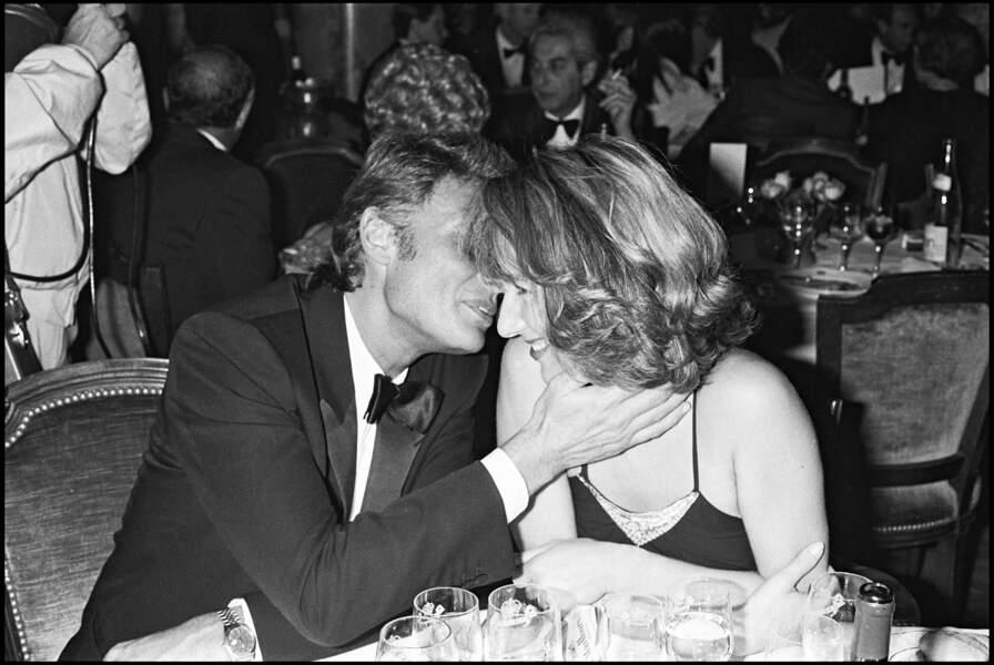 Johnny Hallyday et Nathalie Baye, lors d'une soirée pendant le Festival de Cannes en 1984