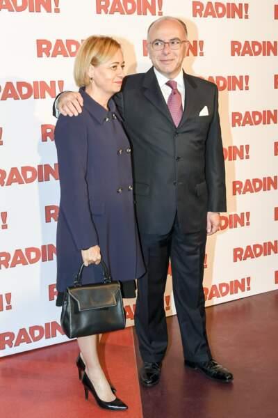 """Bernard Cazeneuve et Véronique au photocall de """"Radin!"""", au cinéma Gaumont Opéra à Paris"""