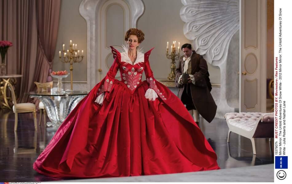 """Elle interprète la méchante Reine Clementianna dans """"Blanche-Neige"""" en 2012"""
