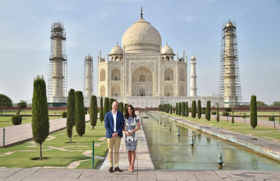 Kate & William devant les jardins du Taj Mahal - Inde - ABACA
