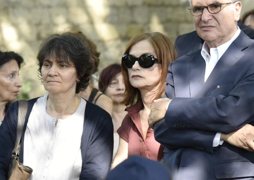 Emue, Isabelle Huppert s'est rendue à l'enterrement de Claude Lanzmann le 12 juillet 2018