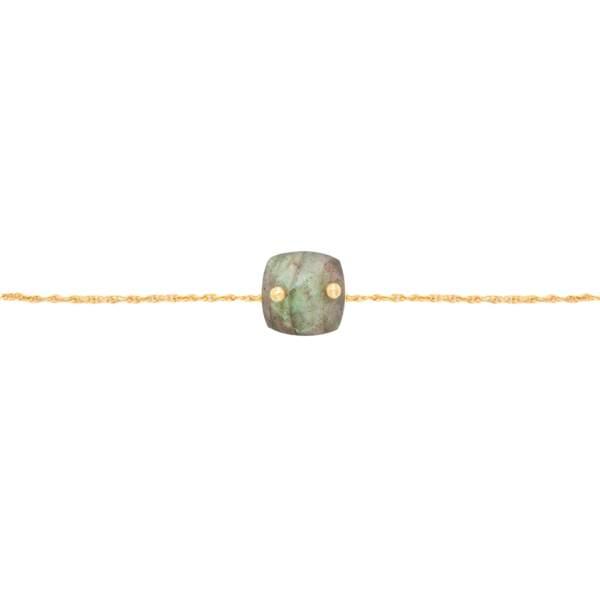 Bracelet en plaqué or et Labradorite, 35 €, LOU.YETU.