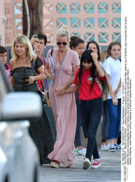 Laeticia Hallyday a scolarisé ses deux petites filles Jade et Joy à St Barth, où elles resteront jusqu'en janvier
