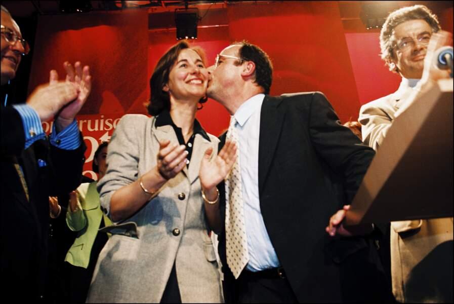 Ségolène Royal et François Hollande lors de la campagne pour les élections européennes à Paris, le 17 mai 1999