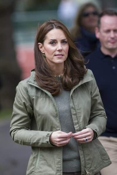 Kate Middleton porte toujours la bague de Diana et des boucles d'oreille Monica