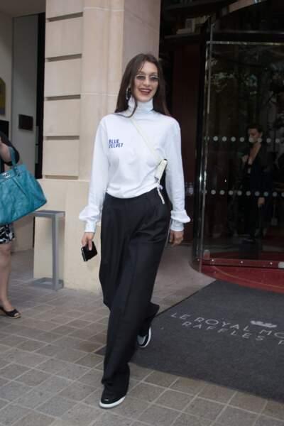 Le sportswear devient élégant cet automne avec Bella Hadid.