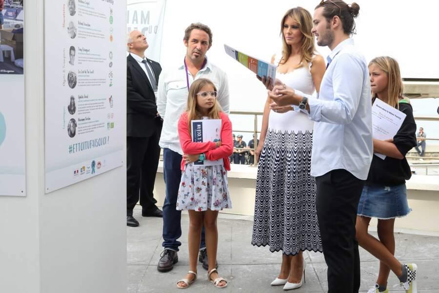 Les escarpins que Melania Trump portait au G7 ce 26 août étaient signés Christian Louboutin.