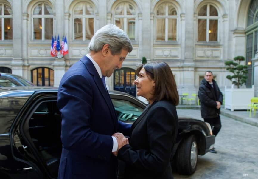 Le secrétaire d'Etat américain a ensuite rencontre Anne Hidalgo