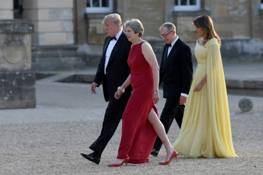 La First Lady américaine portait une robe jaune signée J Mendel.