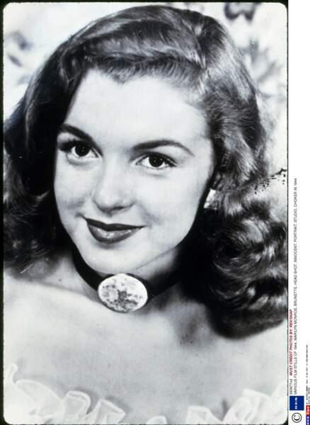 1944, Marilyn Monroe n'a que 18 ans, sa crinière peroxydée n'est pas encore d'actualité