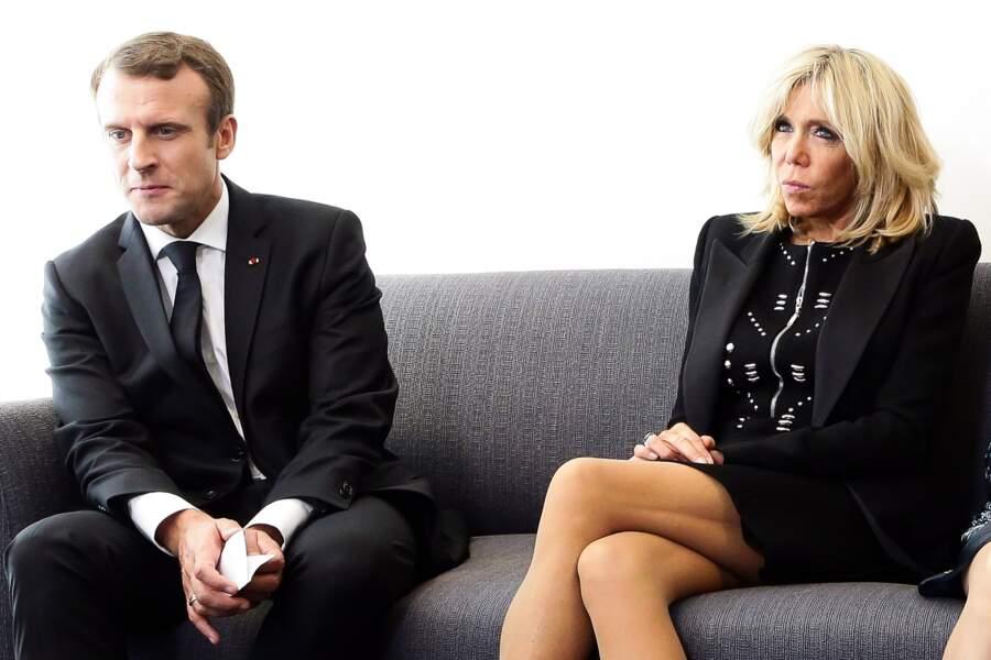 Emmanuel Macron et sa femme Brigitte Macron tout en noir