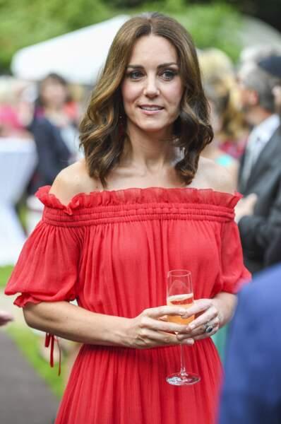 Kate Middleton : une coloration naturelle pour un max de soleil dans ses cheveux