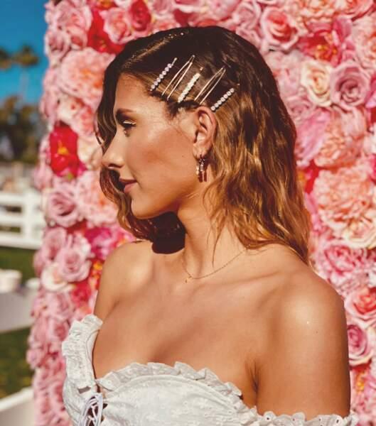 Crop top à volants et make up glowy : le look de festivalière de Camille Cerf pour Coachella, en avril 2019