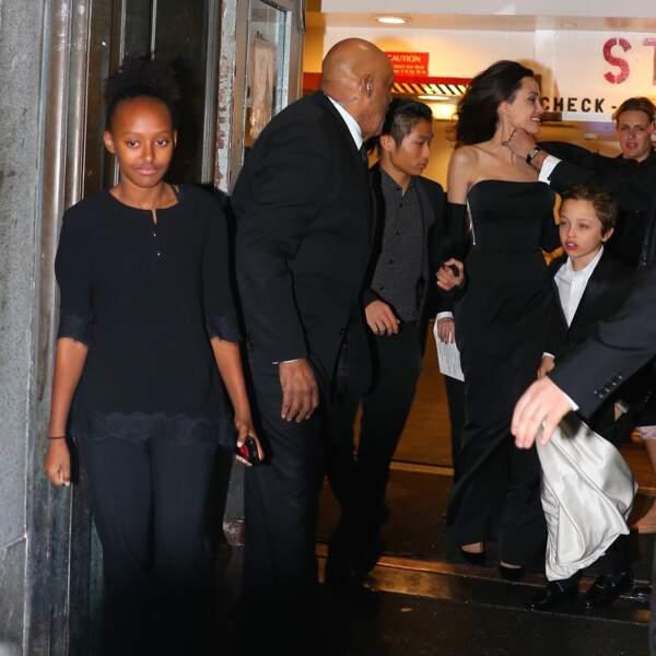 Angelina Jolie et ses enfants étaient tous très chics lors de cette soirée des UNCA Awards