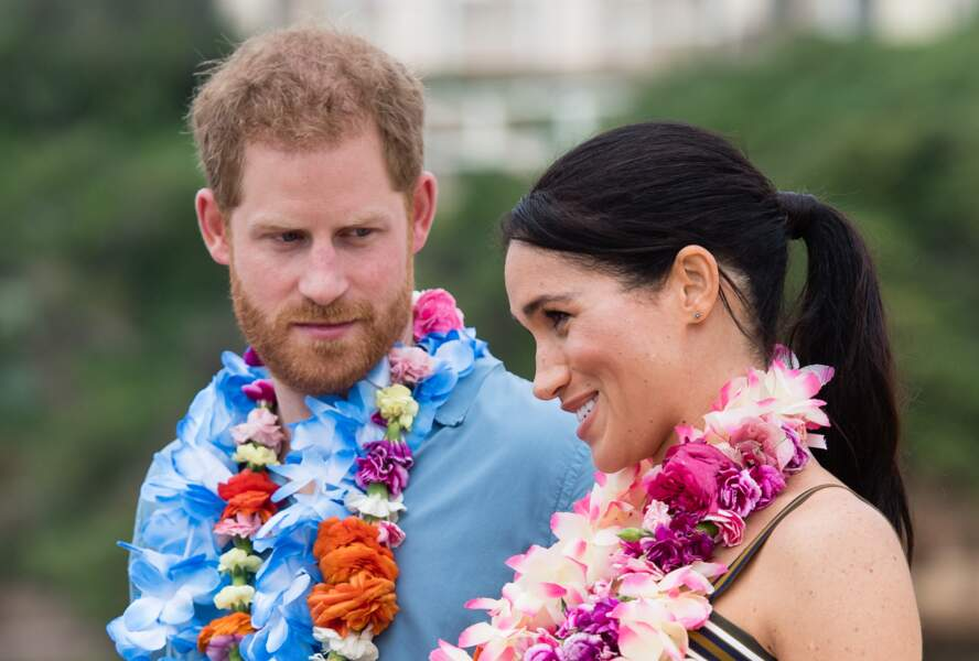 Meghan Markle apparaît rayonnante aux côtés du prince Harry lors de le leur visite de Bondi Beach à Sydney