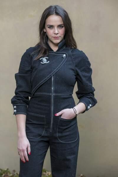 Pauline Ducruet en tenue sombre signée Chanel