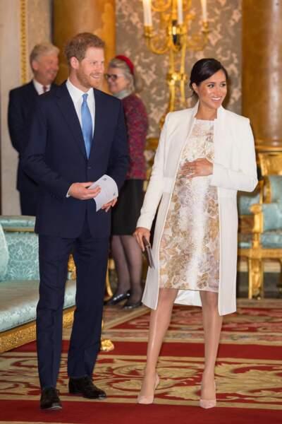 Meghan Markle tout en blanc pour la réception pour les 50 ans de l'investiture du prince de Galles le 5 mars 2019