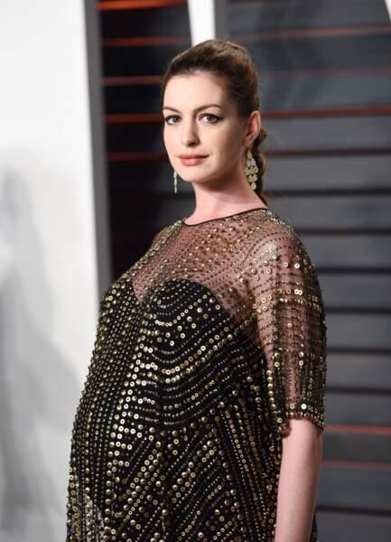 Anne Hathaway, en avril 2015, à quelques jours de la naissance de son premier enfant
