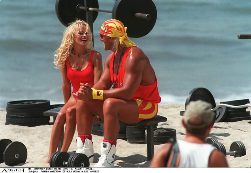 Pamela Anderson avec Hulk Hogan sur le tournage d'Alerte à Malibu