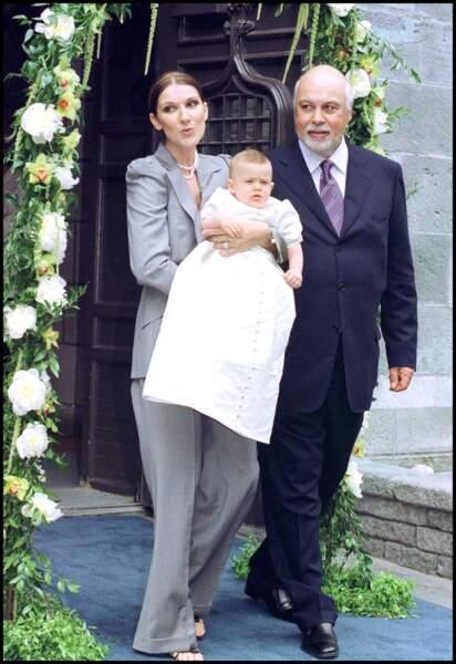 Céline Dion et René Angélil lors du baptême de René-Charles en la basilique de Montréal, le 25 juillet 2001