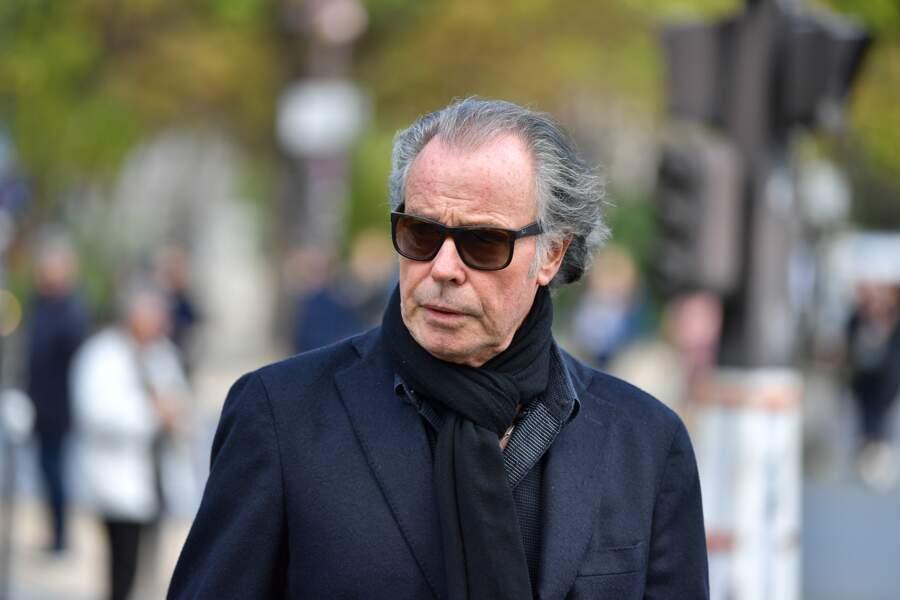 Michel Leeb aux obsèques ducomédien Jean Piat en l'église Saint François-Xavier à Paris le 21