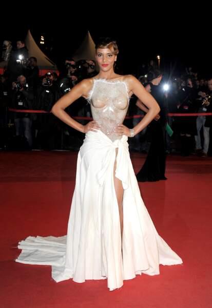 Shy'm et sa tenue la plus sexy  qui soit sur le tapis rouge des NRJ Music Awards à Cannes en 2012