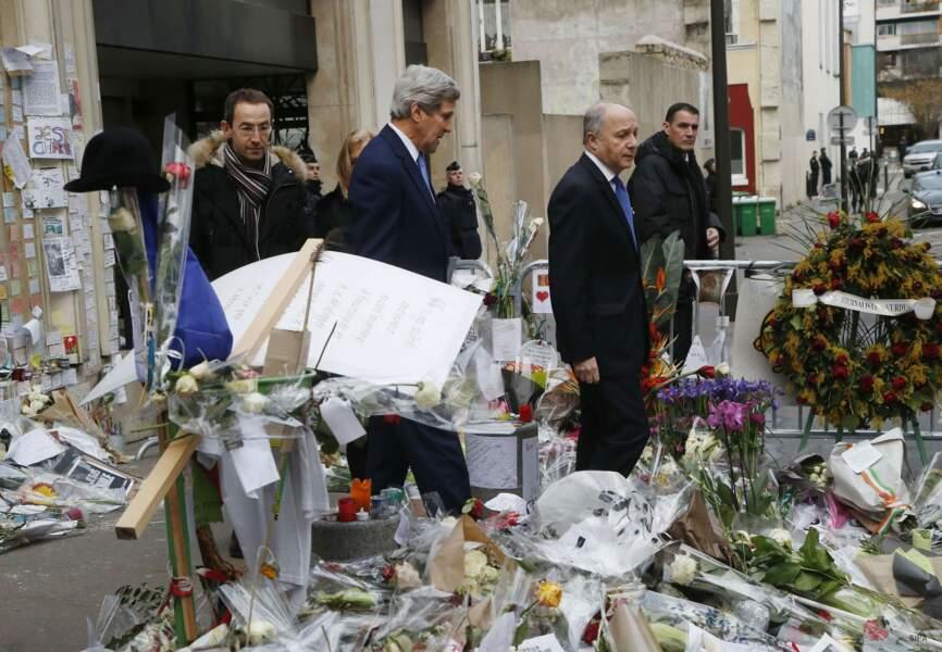 Le responsable américain s'est également rendu au siège de Charlie Hebdo