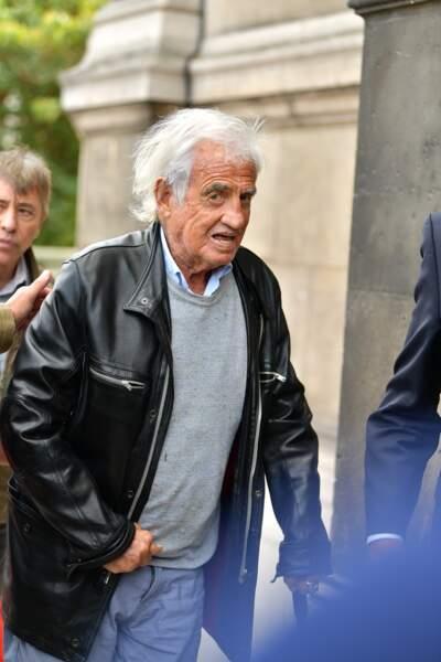 Jean-Paul Belmondo aux obsèques ducomédien Jean Piat en l'église Saint François-Xavier à Paris le 21 septembre