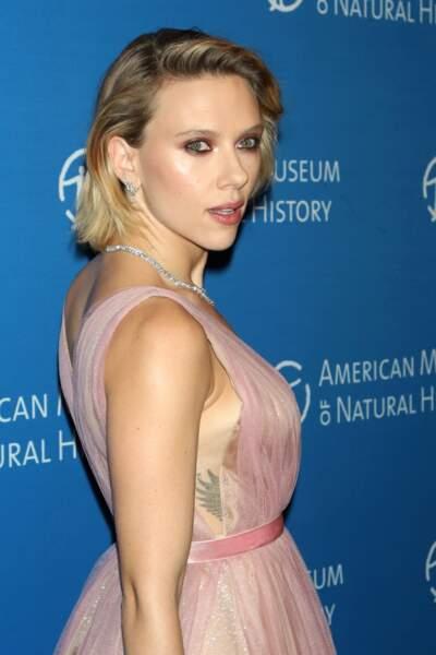 Scarlett Johansson adore les tatouages et les collectionne