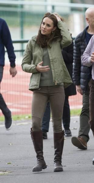 Kate Middleton recycle sa fameuse paire de bottes Penelope Chilvers depuis 2004