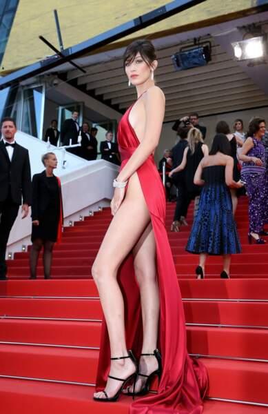 Tout semblait aller pour le mieux pour Bella Hadid lors du festival de Cannes 2016.