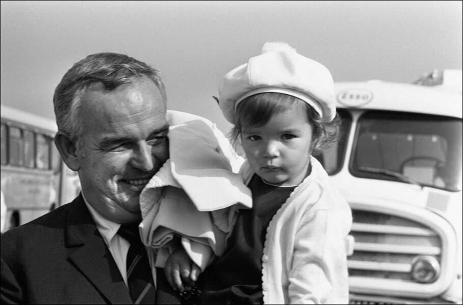Rainier et Stéphanie de Monaco de retour d'un voyage aux USA, en 1967