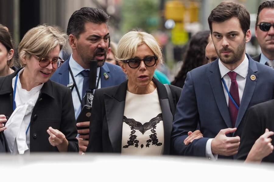 Brigitte Macron dans sa robe blanche aux détails noirs à New York
