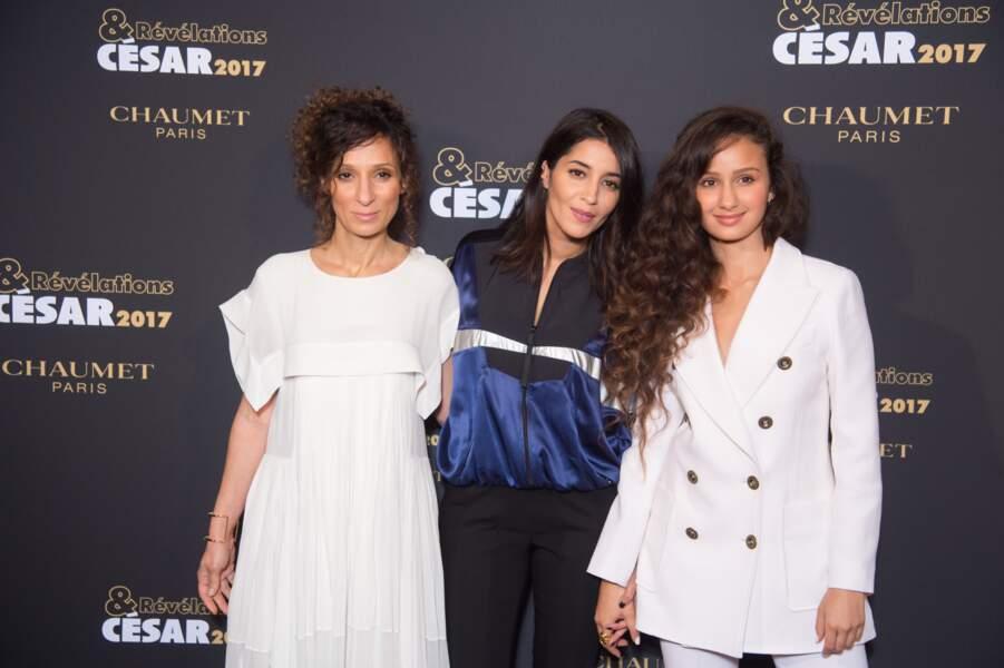 A ses côtés, la réalisatrice du film Divines Houda Benyamina et l'actrice Oulaya Amamra qu'elle parraine