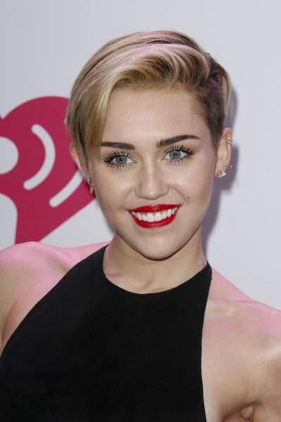 """Miley Cyrus à la soiree """"KIIS FM's Jingle Ball"""" le 6 decembre 2013"""