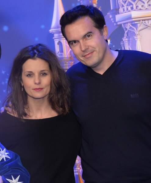 Faustine Bollaert et son mari Maxime Chattam posent pour une rare photo  ensemble à Paris à  le 25 mars 2017