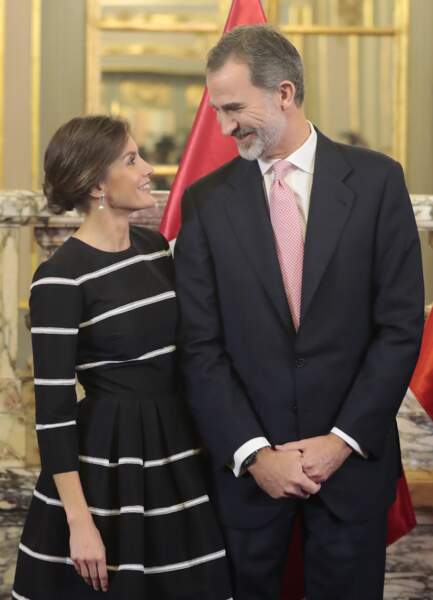 Le roi Felipe VI et la reine Letizia Ortiz  : un couple tactile et très chic