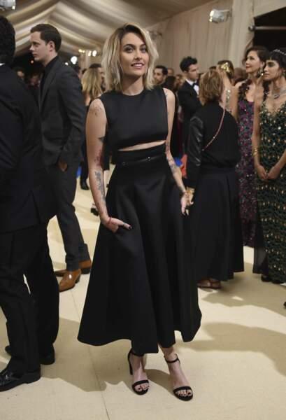 Elle portait une robe signée Calvin Klein By Appointment
