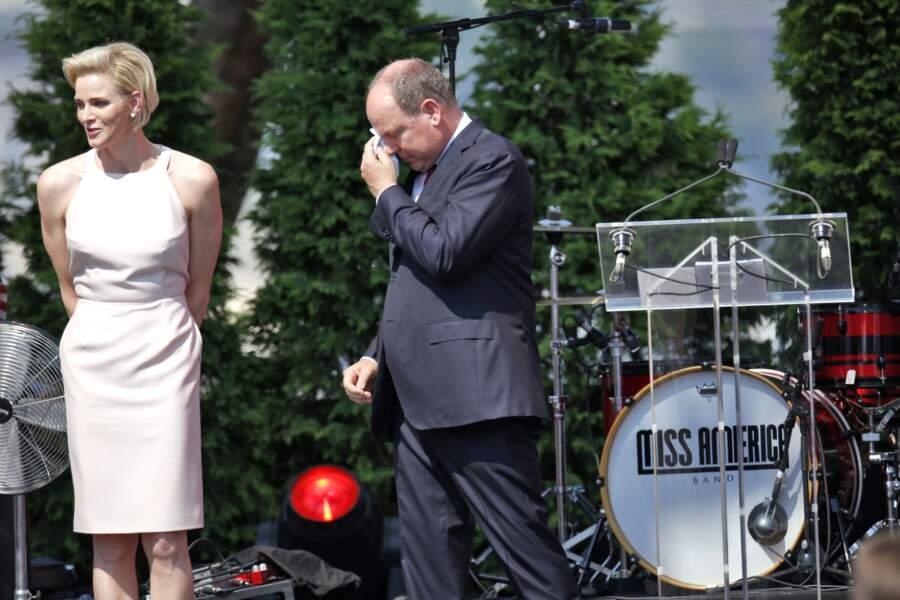 Albert de Monaco, très ému après un discours de Charlène lors des célébrations pour ses 10 ans de règne, en 2015