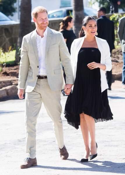Meghan Markle et le prince Harry au Maroc, elle porte une robe Loyd/Ford et une veste Aritzia Babton  le 25 février