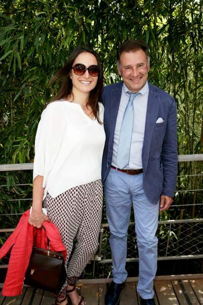 Pierre Sled en compagnie de sa mystérieuse compagne à Roland Garros