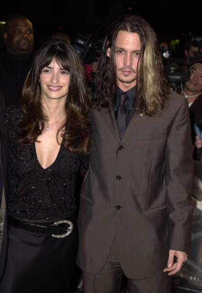 """Penelope Cruz et Johnny Depp à la première du film """"Blow"""" à Los Angeles (2001)"""