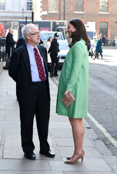 Kate Middleton ultra chic dans une tenue dessinée sur mesure par Jenny Packham